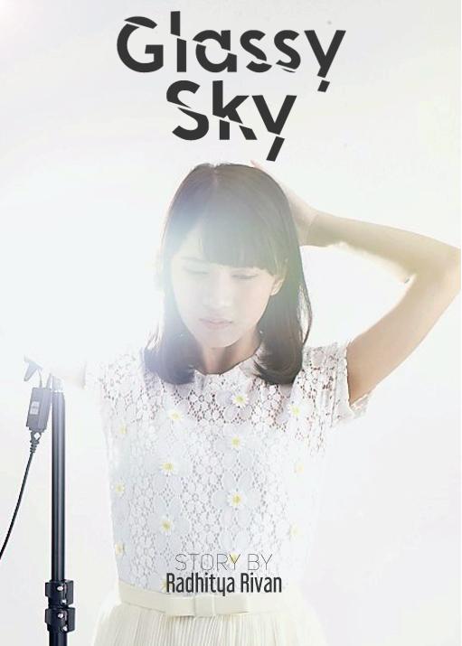 Banner Glassy Sky
